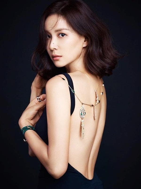 Bà xã xinh đẹp, nổi tiếng của Jang Dong Gun, người vướng bê bối tình dục tai tiếng - Ảnh 6.