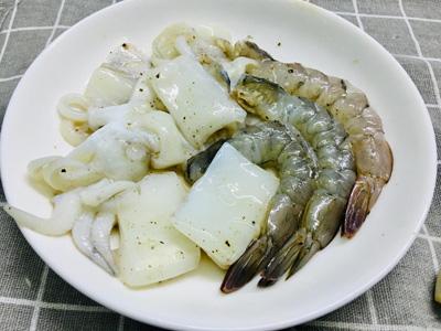 Bún gạo trộn hải sản - Ảnh 3.