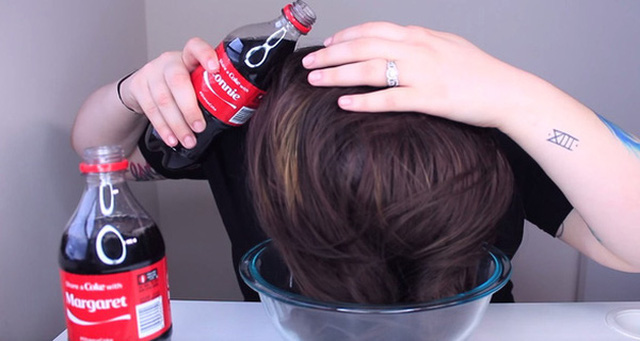 Gội đầu bằng loại nước này tóc xoăn giữ lâu không tưởng - Ảnh 3.