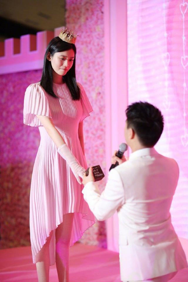 """Cuộc sống đáng ghen tị của siêu mẫu sinh cháu đích tôn cho """"tỷ phú sòng bạc Macau""""  - Ảnh 5."""