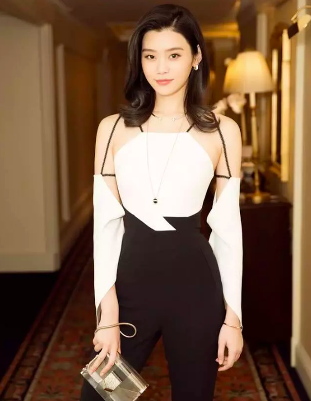 """Cuộc sống đáng ghen tị của siêu mẫu sinh cháu đích tôn cho """"tỷ phú sòng bạc Macau""""  - Ảnh 7."""