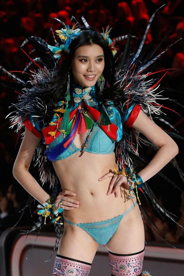 """Cuộc sống đáng ghen tị của siêu mẫu sinh cháu đích tôn cho """"tỷ phú sòng bạc Macau""""  - Ảnh 9."""