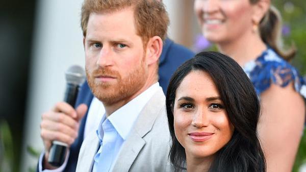 Vận hạn liên tiếp đến với Hoàng tử Harry và Công nương Meghan sau tuyên bố rời khỏi hoàng gia Anh - Ảnh 2.