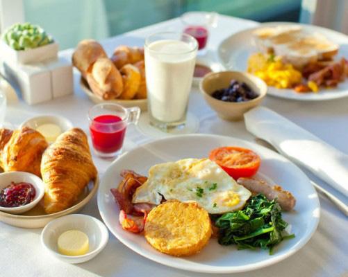 Ngày Tết nếu ăn sáng theo cách này bạn sẽ tăng cân vù vù - Ảnh 4.