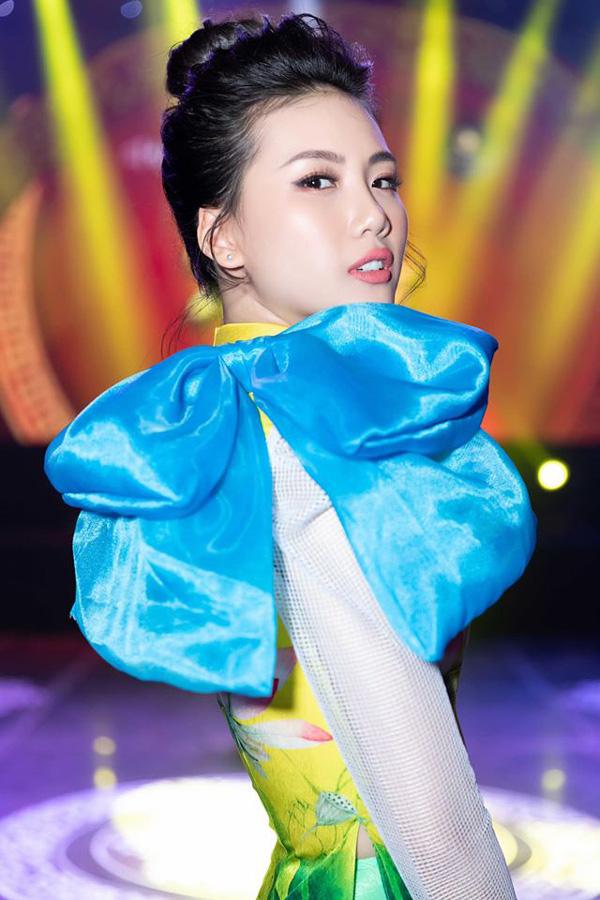 Hoa hậu sinh năm 1998 có làn trắng sứ hơn cả Ngọc Trinh kể chuyện tết xưa ở gia đình bên ngoại - Ảnh 6.