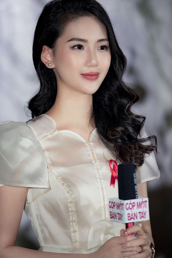 Hoa hậu sinh năm 1998 có làn trắng sứ hơn cả Ngọc Trinh kể chuyện tết xưa ở gia đình bên ngoại - Ảnh 9.