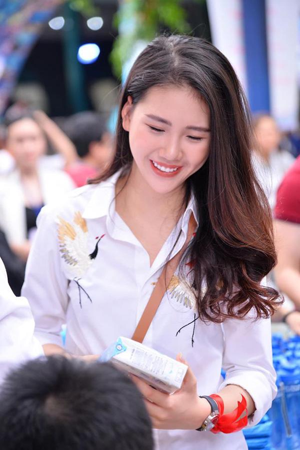 Hoa hậu sinh năm 1998 có làn trắng sứ hơn cả Ngọc Trinh kể chuyện tết xưa ở gia đình bên ngoại - Ảnh 3.