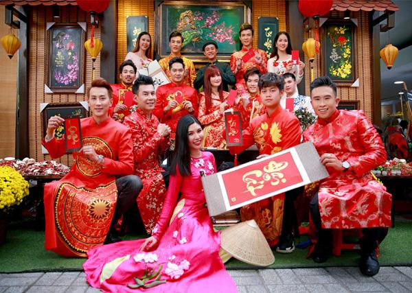 Con trai 15 tuổi có chiều cao khủng của diễn viên Hiền Mai diện áo dài cùng mẹ và ca sĩ Đoan Trường - Ảnh 2.