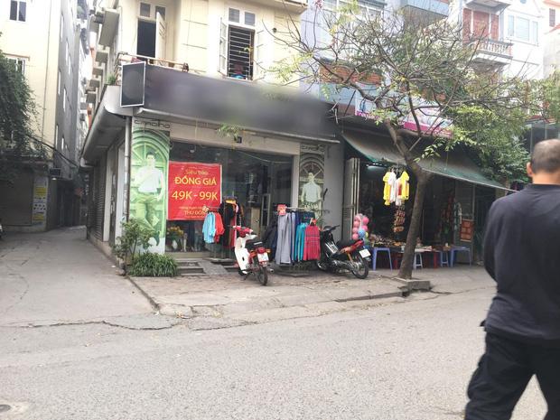 Vụ người phụ nữ mang thai phi xe cán nát mẹt hoa quả của người bán hàng rong: Nhân viên cửa hàng quần áo lên tiếng - Ảnh 3.