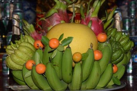 Chuyên gia tâm linh nói rõ: Mâm ngũ quả hội tụ hồn quả, hương cây, con cháu dâng cúng để cầu hưng an, may mắn - Ảnh 2.