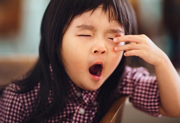 Ngày Tết để trẻ gặp nguy hiểm chỉ vì thiếu ngủ - Ảnh 2.