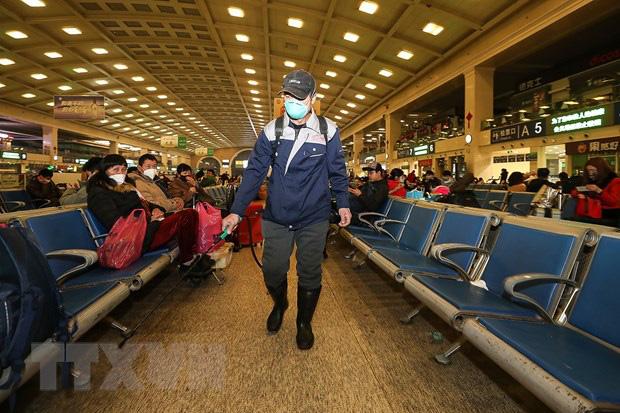 Trung Quốc xác nhận số người tử vong do virus corona tăng mạnh - Ảnh 1.