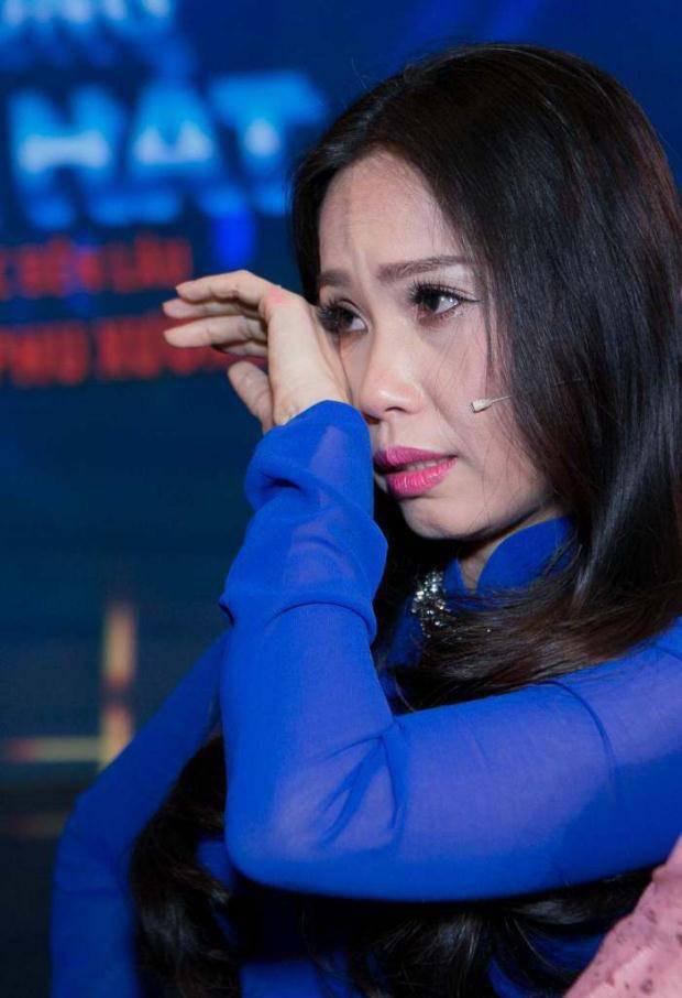 Rơi nước mắt những câu chuyện 0h của sao Việt đêm 30 Tết - Ảnh 2.
