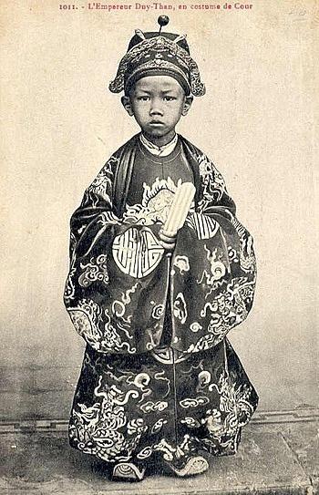 Ông vua sinh năm Canh Tý lên ngôi lúc 7 tuổi  - Ảnh 1.