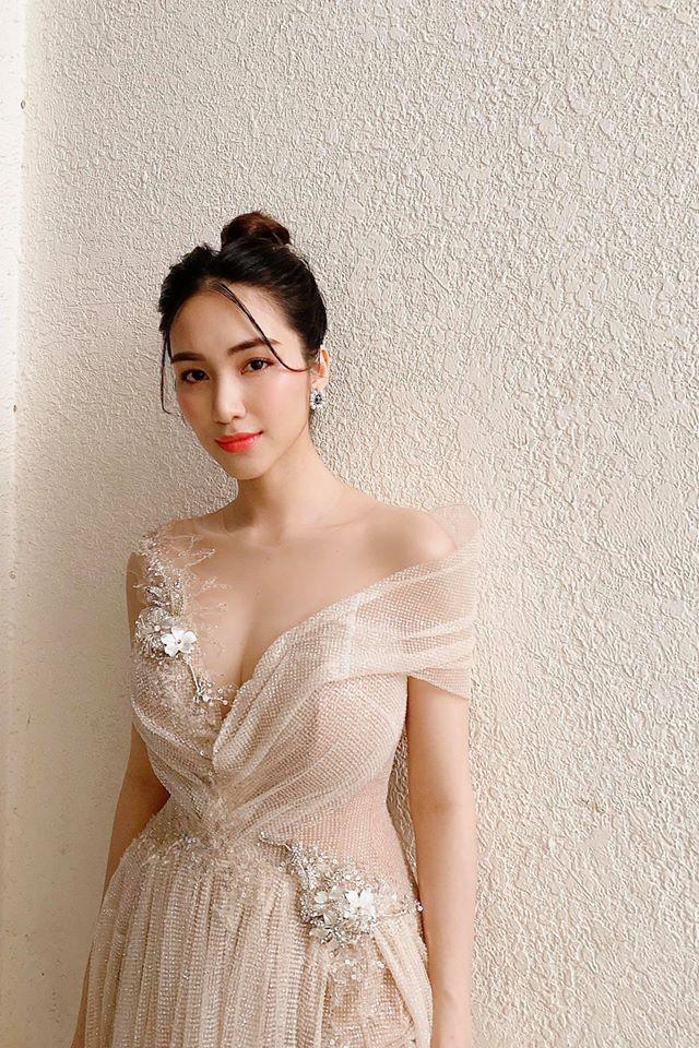 Hoà Minzy ăn Tết ở quê bạn trai thiếu gia, dân mạng dấy lên nghi vấn cặp đôi đã bí mật cưới - Ảnh 3.