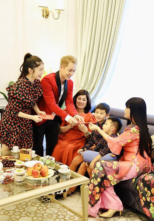Gia đình Đăng Khôi sum vầy tại biệt thự 2 triệu USD - Ảnh 6.