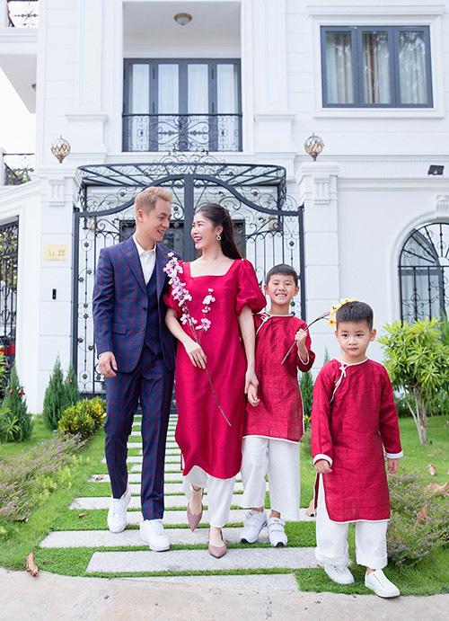 Gia đình Đăng Khôi sum vầy tại biệt thự 2 triệu USD - Ảnh 9.