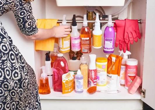 3 thứ không nên trữ trong tủ dưới bồn rửa bát - Ảnh 3.