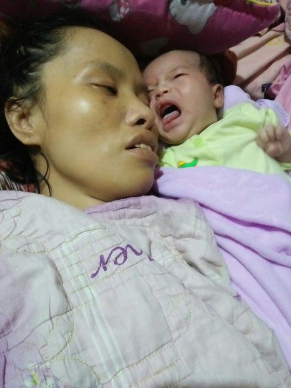 Nỗi đau của người mẹ nằm liệt sau sinh nhìn con thơ phải sống nhờ nguồn sữa của người lạ - Ảnh 3.
