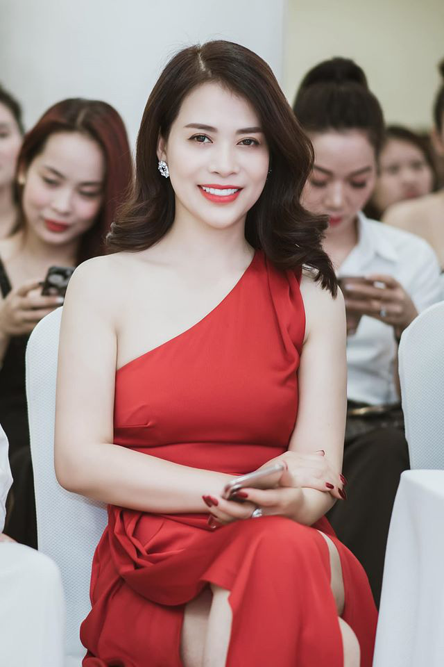Ngắm nhan sắc như hoa hậu của người yêu nghệ sĩ Chí Trung - Ảnh 5.