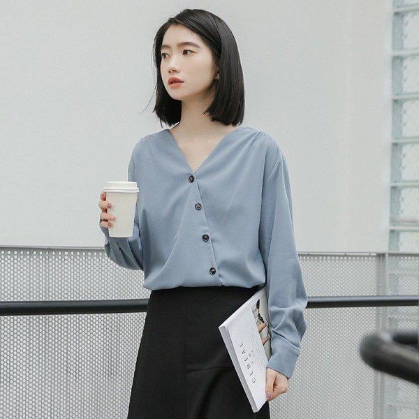 Khéo chọn áo sơ mi cách điệu, phong cách đi làm của chị em sẽ bớt nhàm chán hơn nhiều  - Ảnh 17.