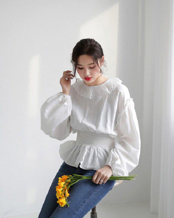 Khéo chọn áo sơ mi cách điệu, phong cách đi làm của chị em sẽ bớt nhàm chán hơn nhiều  - Ảnh 3.