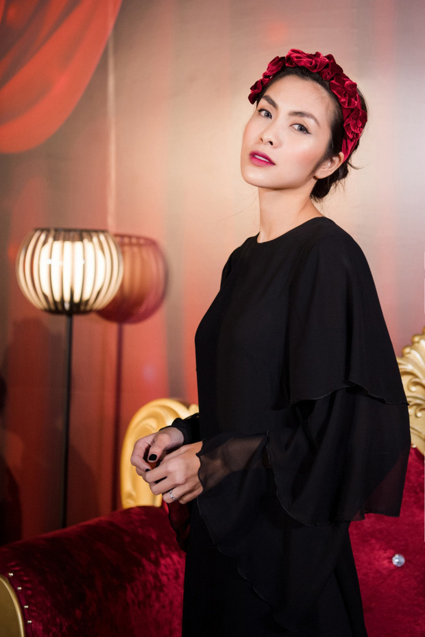 Elly Trần và Hà Tăng cùng đu trend bờm nhung nhưng người quyến rũ bạo liệt, người lại biến hóa khôn lường - Ảnh 5.