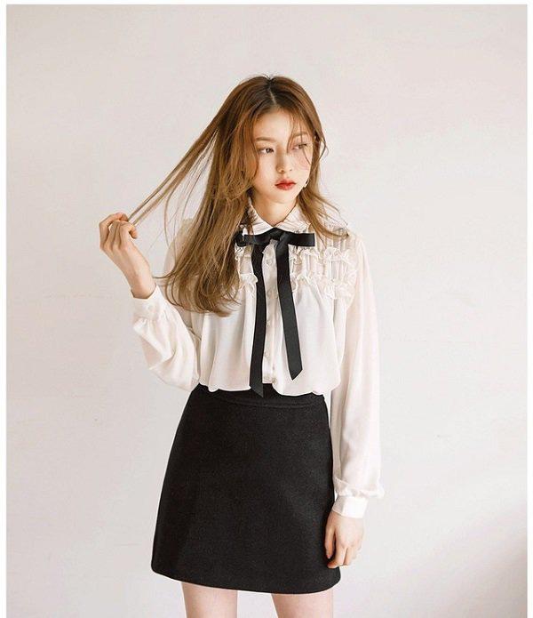 Khéo chọn áo sơ mi cách điệu, phong cách đi làm của chị em sẽ bớt nhàm chán hơn nhiều  - Ảnh 9.
