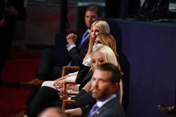 Bức ảnh của Đệ nhất Phu nhân Tổng thống Mỹ cùng con riêng của chồng bất ngờ gây tò mò trong dư luận - Ảnh 7.