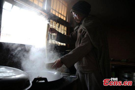 Chân dung triệu phú Trung Quốc từ bỏ tài sản để đi tu - Ảnh 6.