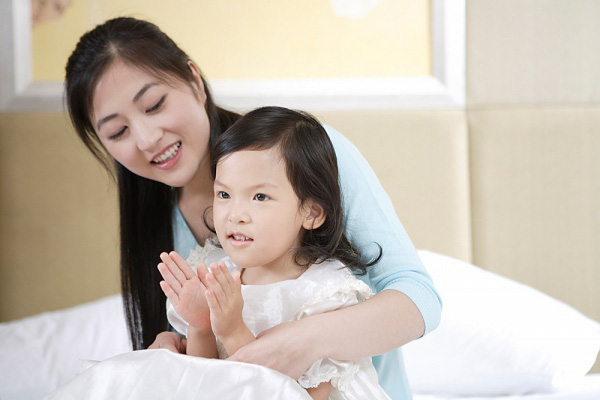 Ghi nhớ 2 điểm sau trong cách khen con, đảm bảo 100% con bạn thông minh và biết cầu tiến - Ảnh 1.