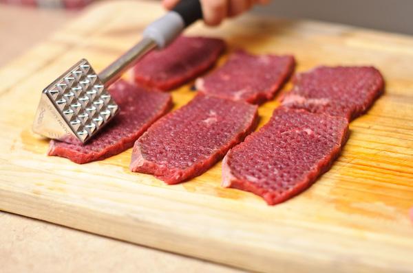 Cách cực dễ giúp miếng thịt dai nhách trở nên mềm ngọt, thơm ngon, chị em học ngay để thực hiện - Ảnh 2.