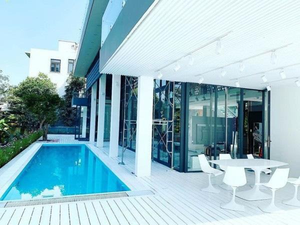 Tận mắt ngắm nội thất đẹp mê li trong căn nhà trị giá 50 tỷ của Ngọc Trinh - Ảnh 9.