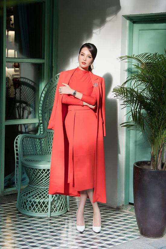 Nhan sắc tuổi 34 của á hậu Thụy Vân - Ảnh 2.