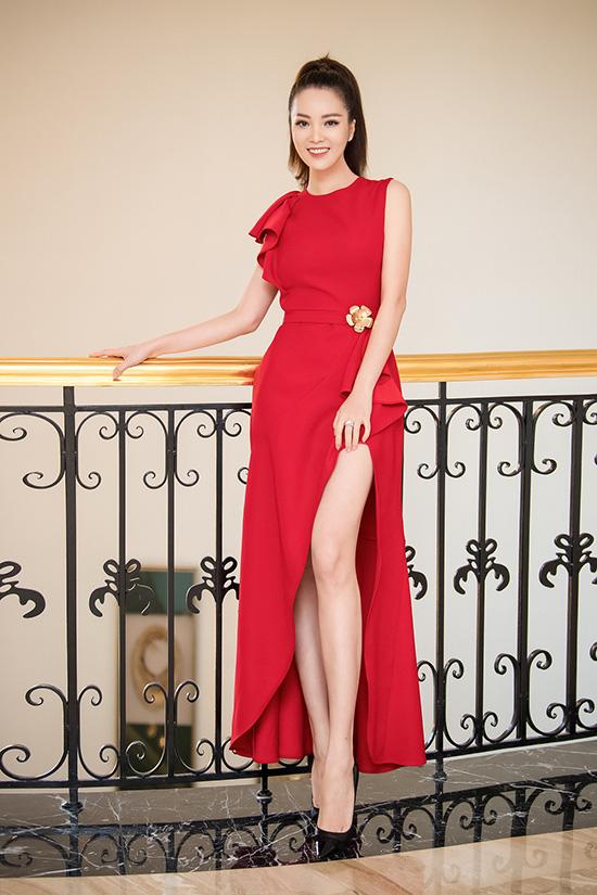 Nhan sắc tuổi 34 của á hậu Thụy Vân - Ảnh 3.