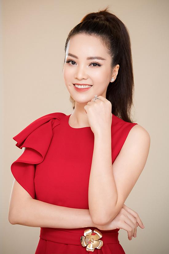 Nhan sắc tuổi 34 của á hậu Thụy Vân - Ảnh 4.