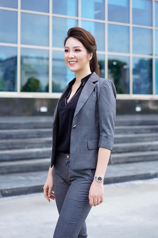 Nhan sắc tuổi 34 của á hậu Thụy Vân - Ảnh 8.