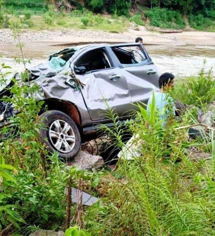 Tai nạn nghiêm trọng khiến 3 giáo viên thương vong ở Nghệ An - Ảnh 1.