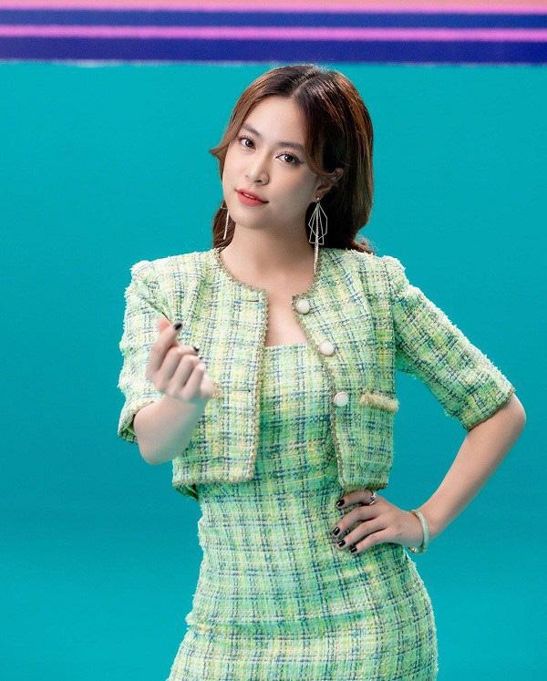 """Học sao Việt cách """"lên đồ"""" nguyên cây vải tweed chuẩn đẹp - Ảnh 2."""