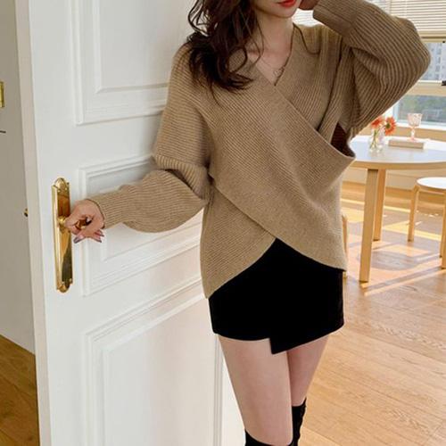 Những kiểu áo len đa phong cách khiến chị em văn phòng trẻ ra hẳn cả chục tuổi - Ảnh 11.