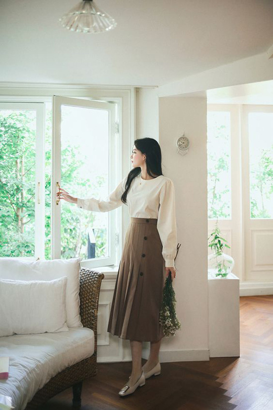 Những kiểu đầm cổ điển mùa thu cho nàng công sở - Ảnh 3.