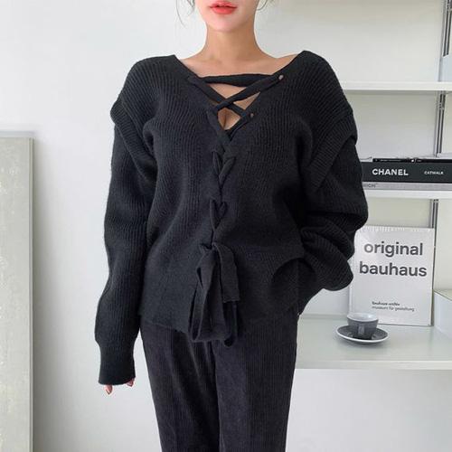 Những kiểu áo len đa phong cách khiến chị em văn phòng trẻ ra hẳn cả chục tuổi - Ảnh 5.