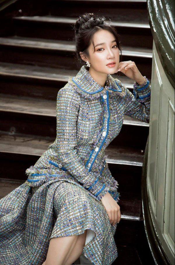 """Học sao Việt cách """"lên đồ"""" nguyên cây vải tweed chuẩn đẹp - Ảnh 7."""