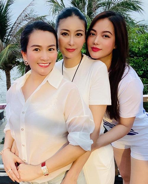 Hà Kiều Anh bật mí về tình bạn với Trương Ngọc Ánh, Giáng My và Hồng Nhung - Ảnh 2.