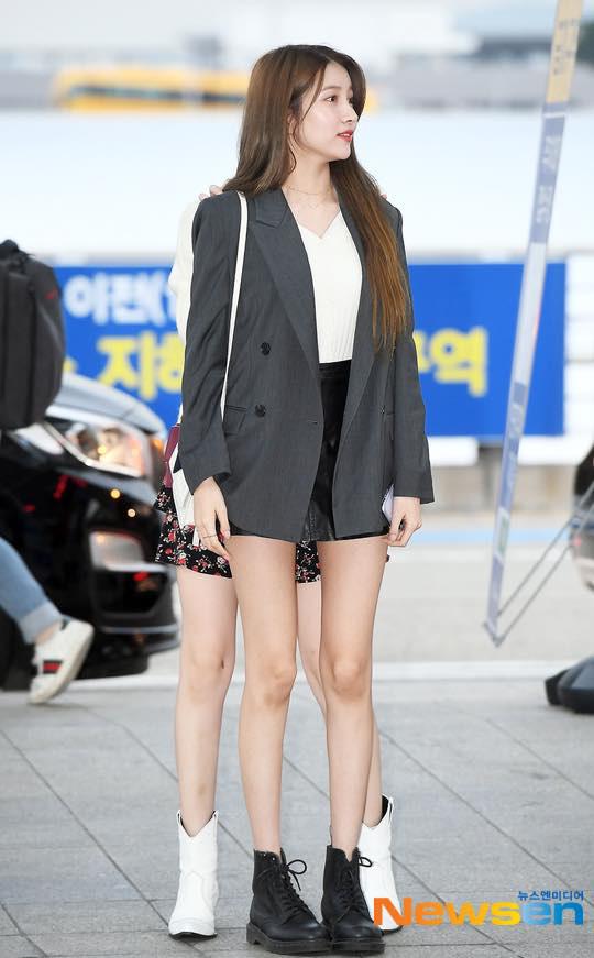 Muôn kiểu diện blazer cá tính như BLACKPINK và dàn mỹ nhân Hàn - Ảnh 4.