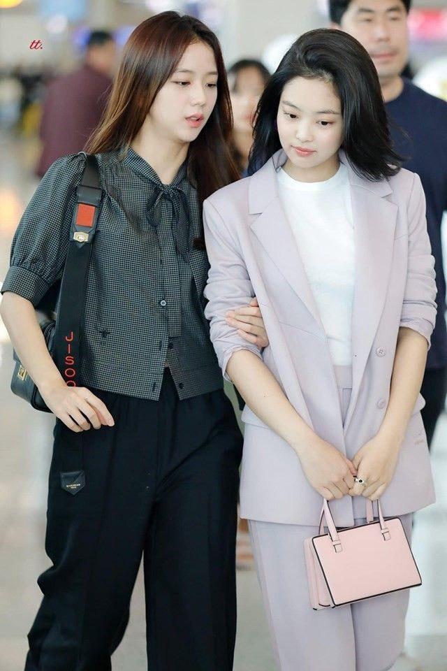 Muôn kiểu diện blazer cá tính như BLACKPINK và dàn mỹ nhân Hàn - Ảnh 5.