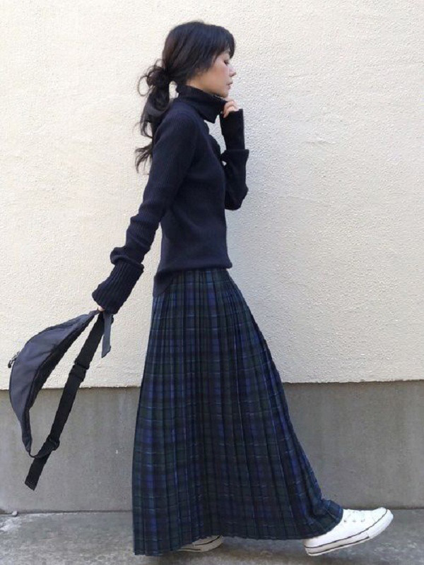 Những trang phục hợp thời tiết se lạnh nhưng dễ khiến chị em tăng thêm vài tuổi - Ảnh 11.