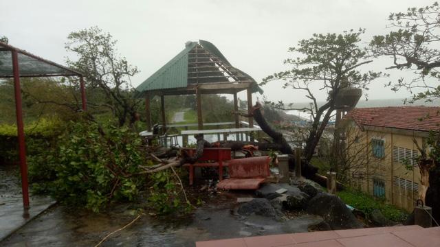 Các tỉnh miền Trung tiếp tục gánh nhiều thiệt hại do bão số 13 - Ảnh 4.