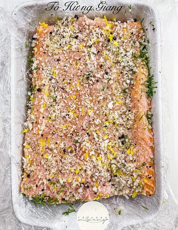 Cá hồi muối, món ngon độc, lạ cho bữa tối gia đình - Ảnh 2.