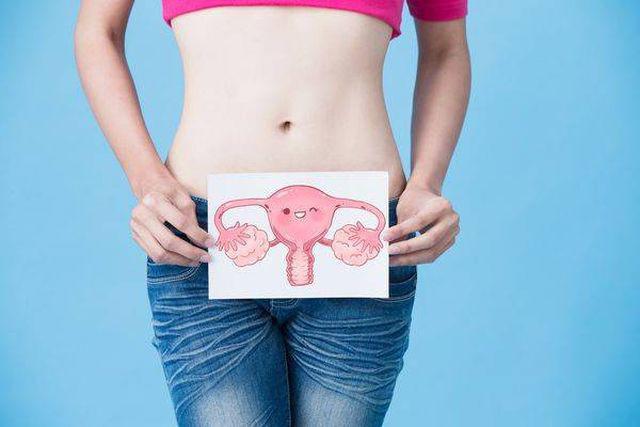 Trước khi phụ nữ bị ung thư buồng trứng, cơ thể sẽ đưa ra 2 báo hiệu này - Ảnh 3.